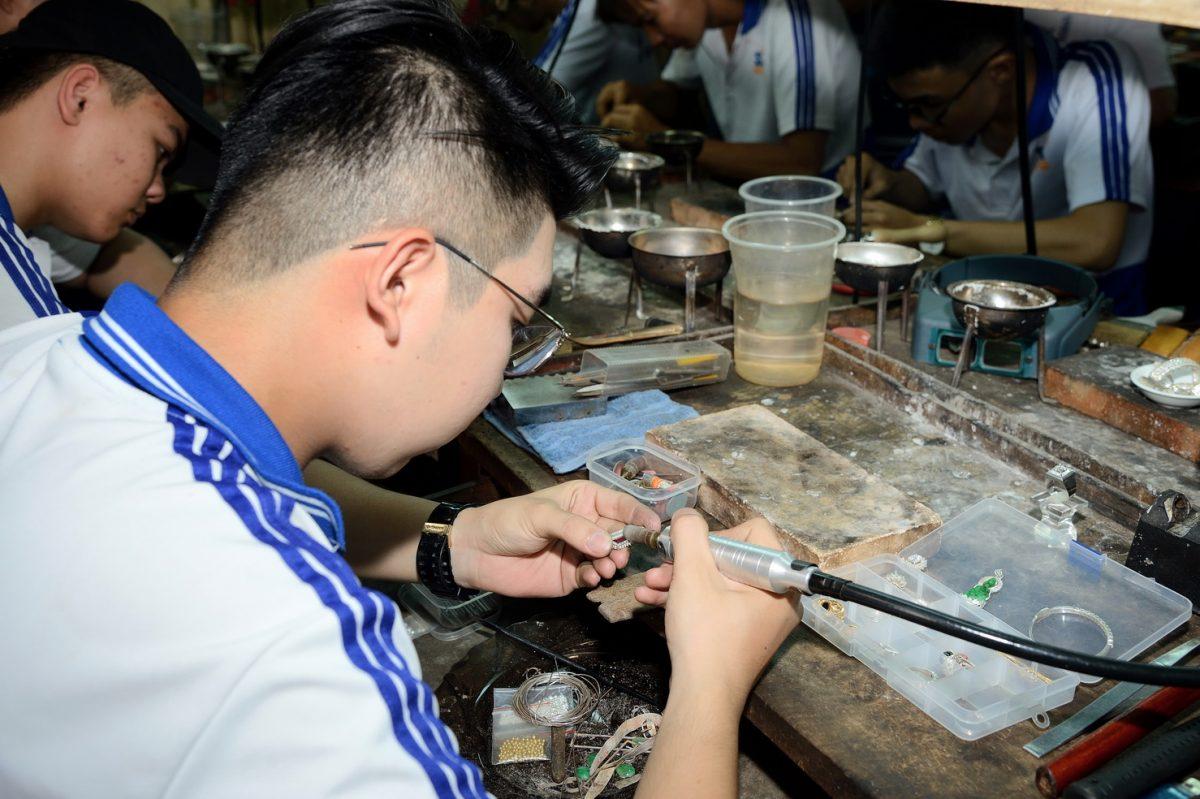 Kỹ thuật phân kim trong nghề kim hoàn