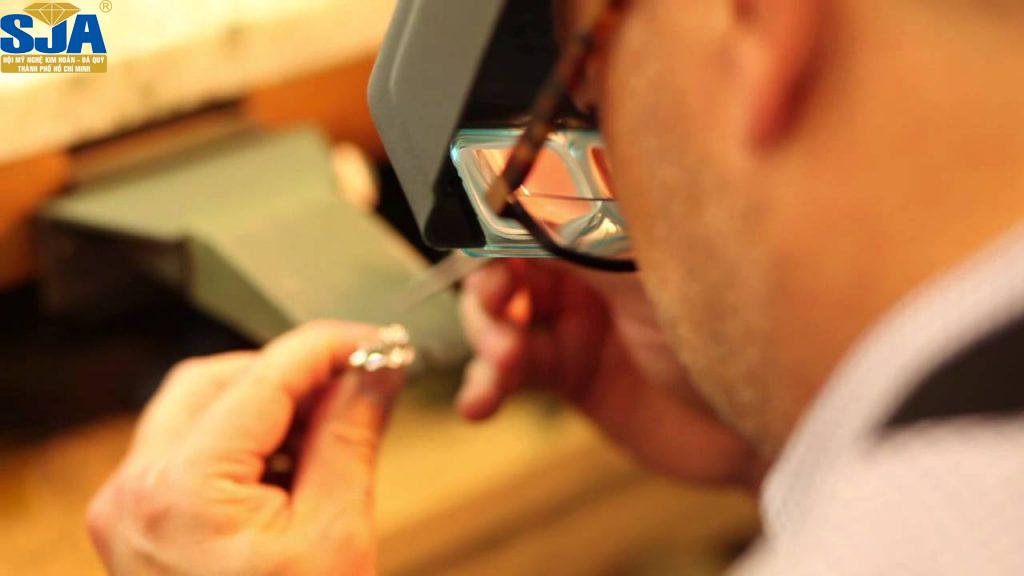 Dạy nghề – Đào tạo thợ bạc