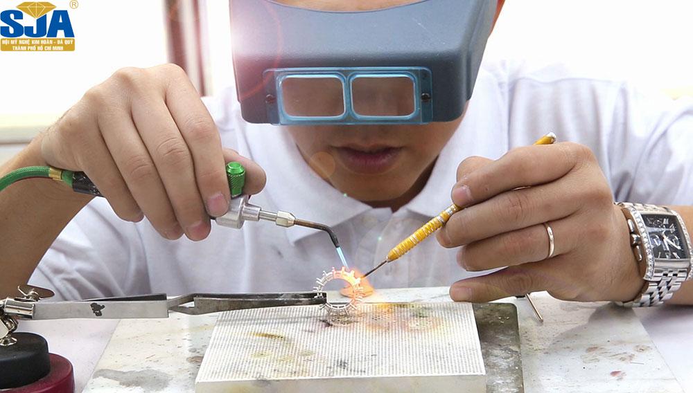 Thợ bạc nâng cao – Kỹ thuật kim hoàn nâng cao dành cho thợ bạc đã có nghề