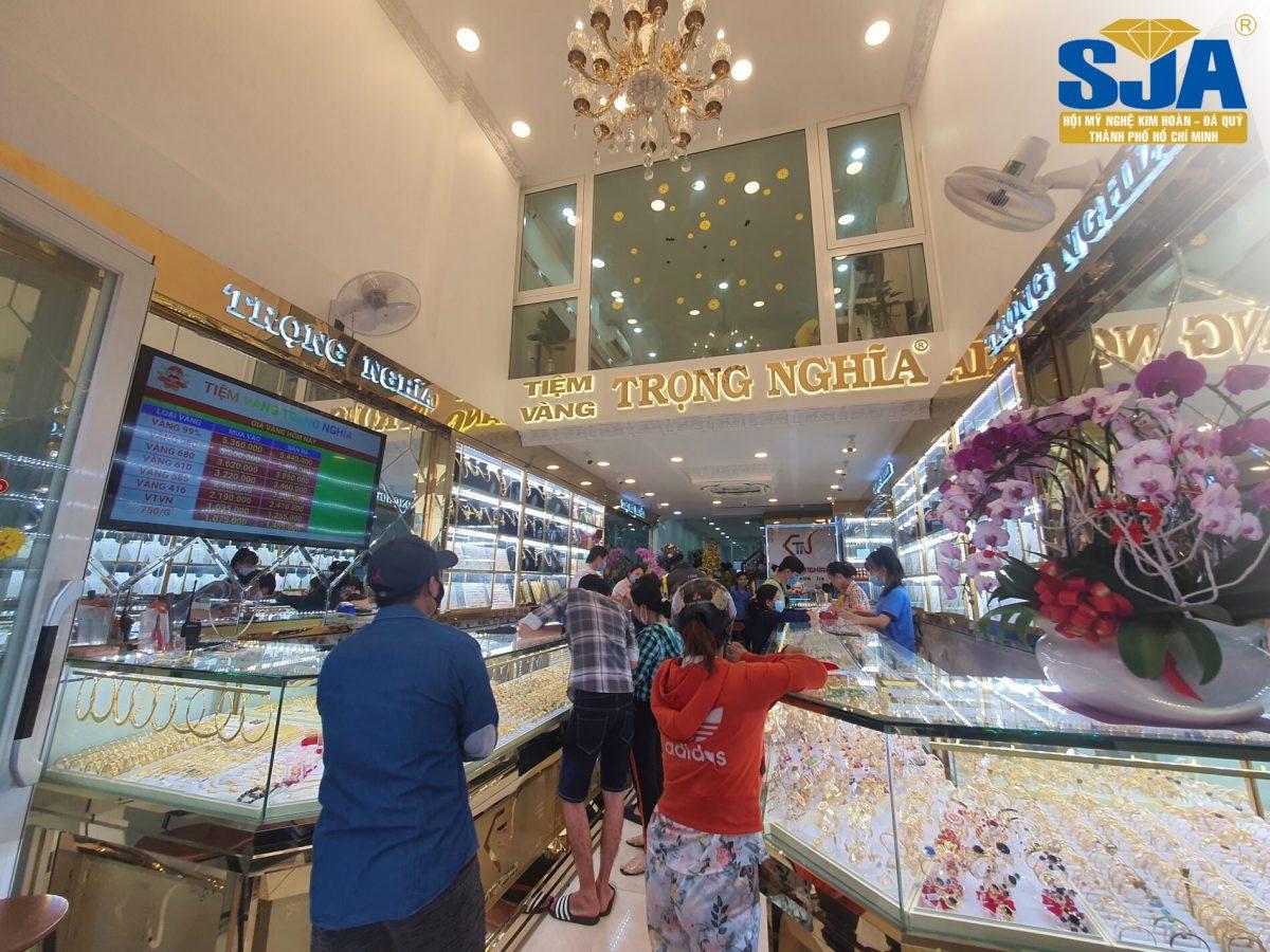 Cần bao nhiêu vốn để mở tiệm vàng?