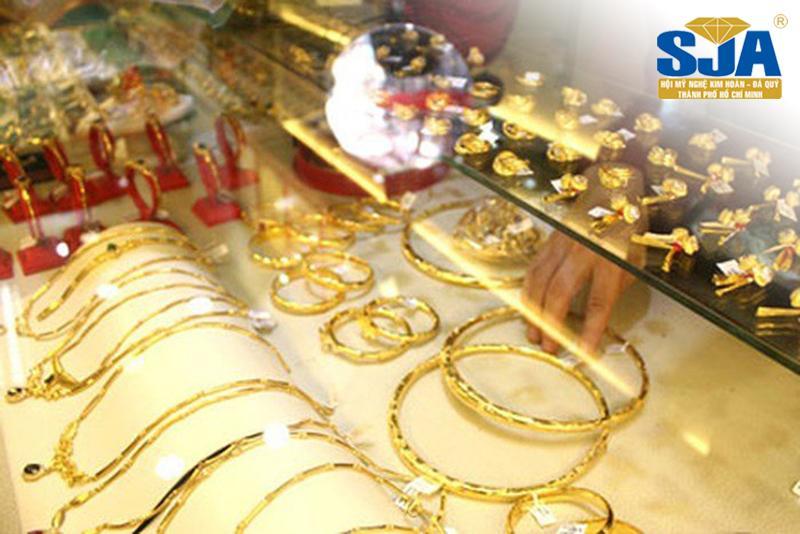 Trang sức được làm từ vàng